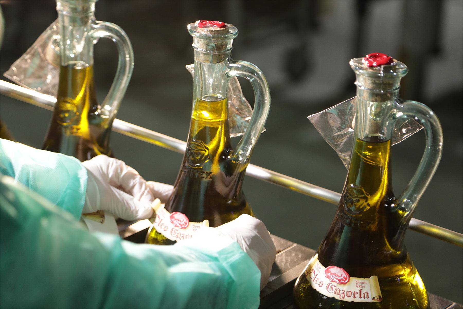 Aceite-de-oliva-virgen-extra---Aceitex---embotellado3